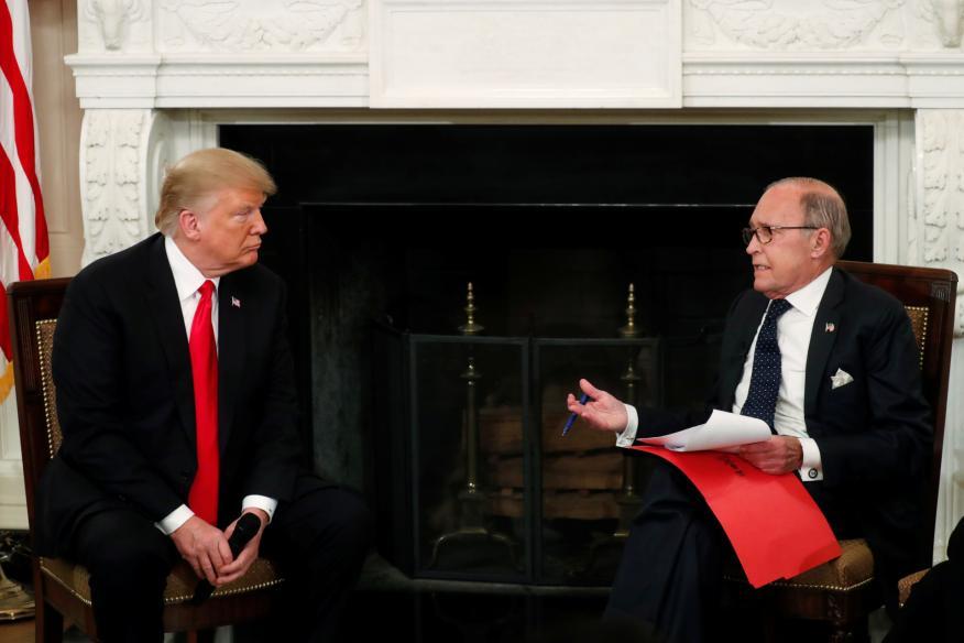El presidente de EE.UU. Donald Trump y su asesor económico Larry Kudlow