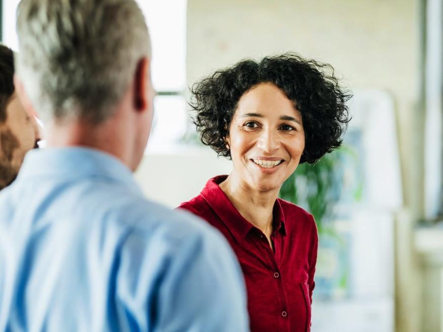 El éxito del liderazgo y la personalidad están estrechamente vinculados.