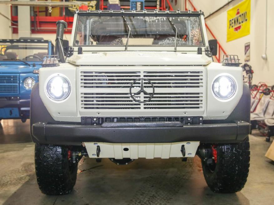 Restauración del Mercedes-Benz 250GD Wolf de 1991 de la compañía Expedition Motor Company.
