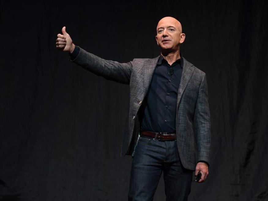 Lo más importante es que Wall Street parece confiar en el director general de Amazon, Jeff Bezos, y en su equipo para realizar la inversión a largo plazo adecuada, dada la trayectoria de la empresa.