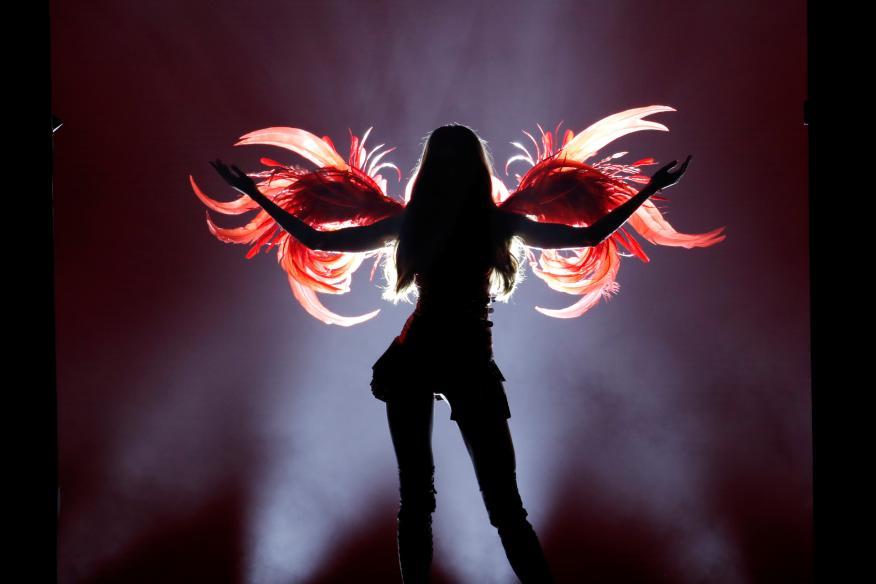 Una modelo en el desfile de los ángeles de Victoria's Secret