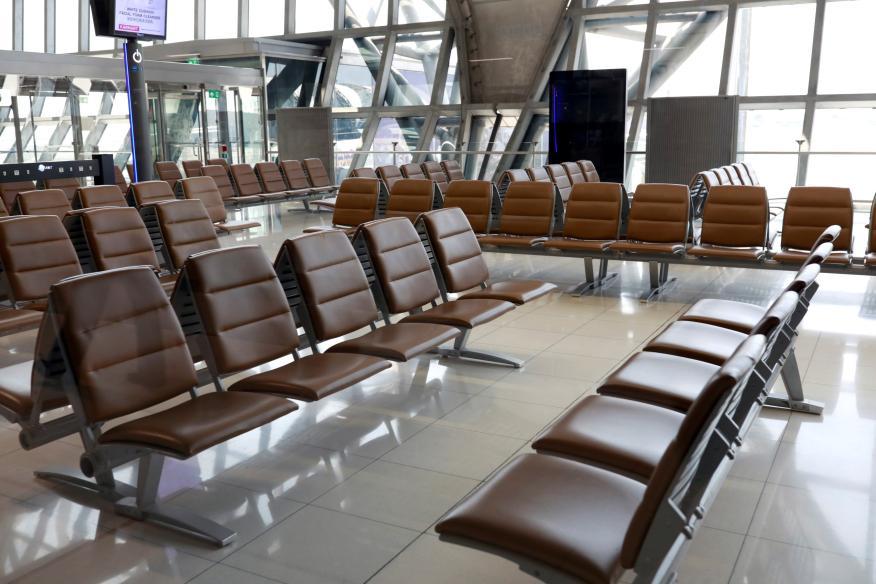 Un aeropuerto vacío ante la pandemia del coronavirus