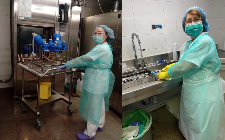 Auxiliares de enfermería esterilizando equipos