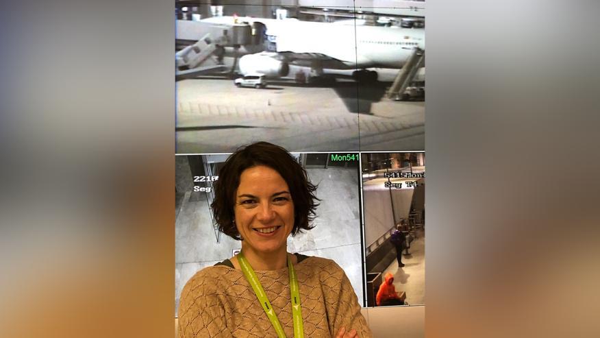 Gema Rojas, ejecutivo de servicio en el aeropuerto de Barajas (Madrid).