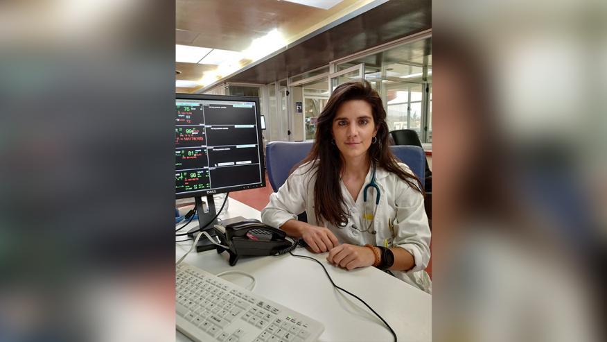 Mónica Valer, médico en la UCI de un hospital de Murcia.