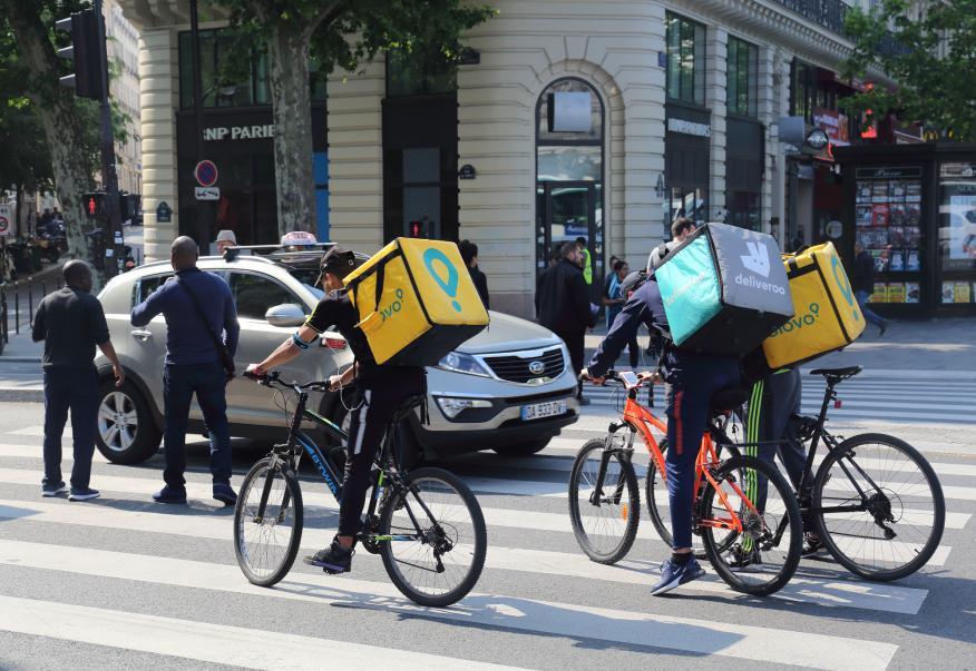 Riders de Glovo y Deliveroo