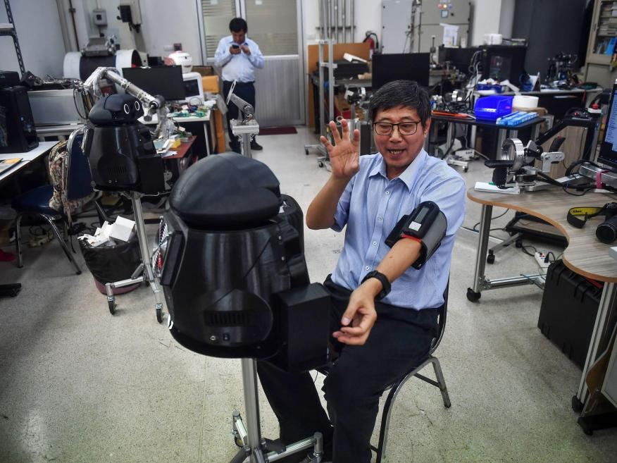 Thailand has 'ninja robots' monitoring COVID-19 patients — take a look