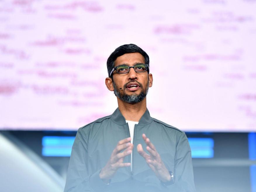 Sundar Pichai, CEO de Google y Alphabet, habla durante la sesión de apertura de Google I/O en el Anfiteatro Shoreline de Mountain View, California, el 7 de mayo de 2019.
