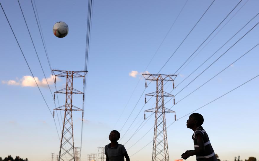 niños electricidad