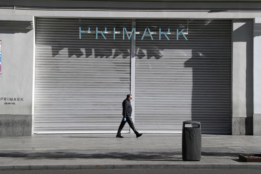 La tienda de Primark en la Gran Vía madrileña cerrada por el estado de alarma