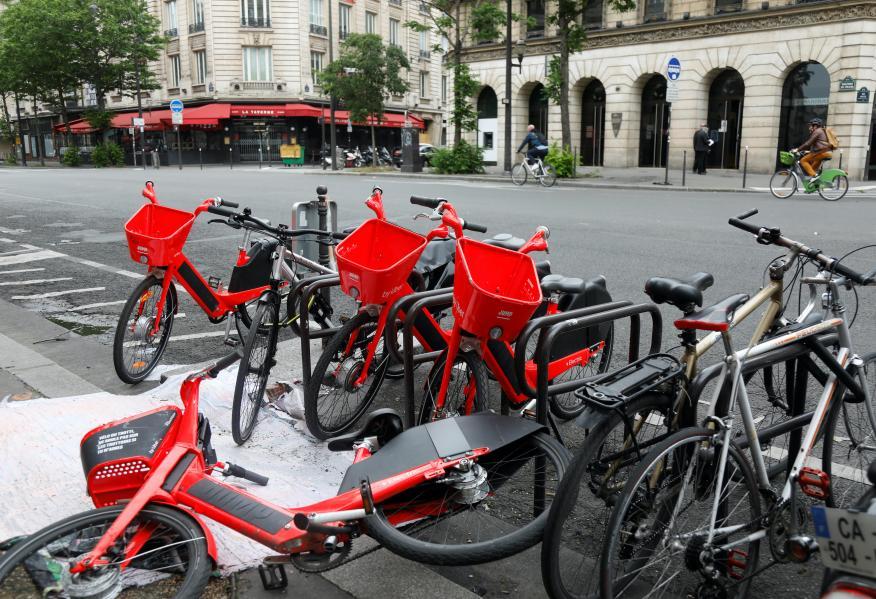 Bicicletas Jump de Uber en París, en medio de la pandemia del coronavirus.