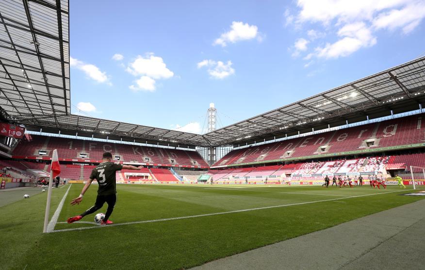 Partido disputado a puerta cerrada en Alemania entre el FC Colonia y el FSV Mainz 05, en la primera jornada de fútbol tras el coronavirus