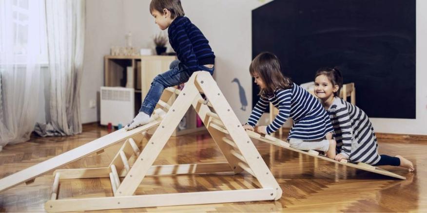 Triángulo de Pikler de escalada para niños