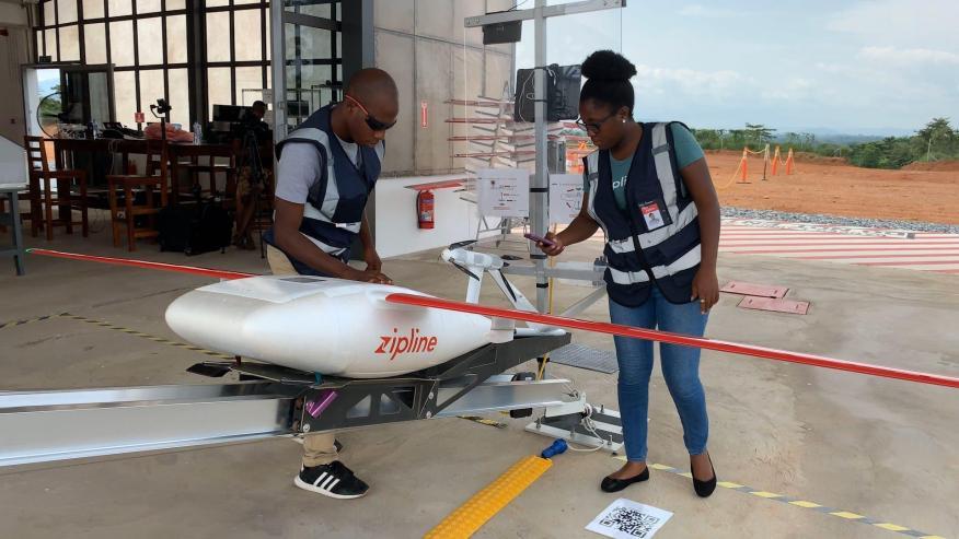 Zipline utiliza drones para entregar productos médicos a cerca de 2.500 hospitales e instalaciones de salud en Ruanda y Ghana