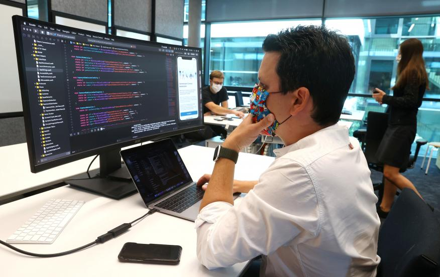 Desarrolladores trabajan en una aplicación de rastreo para Alemania