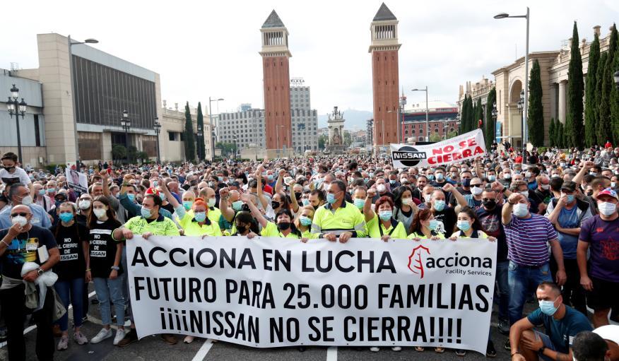 Manifestación contra el cierre de las fábricas de Nissan en Barcelona