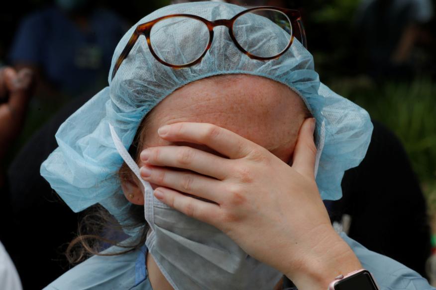 Sanitaria durante las protestas en Estados Unidos.