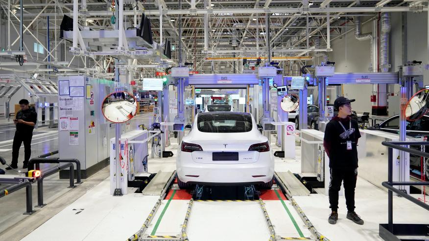 Tesla Model 3, fabricándose en China.