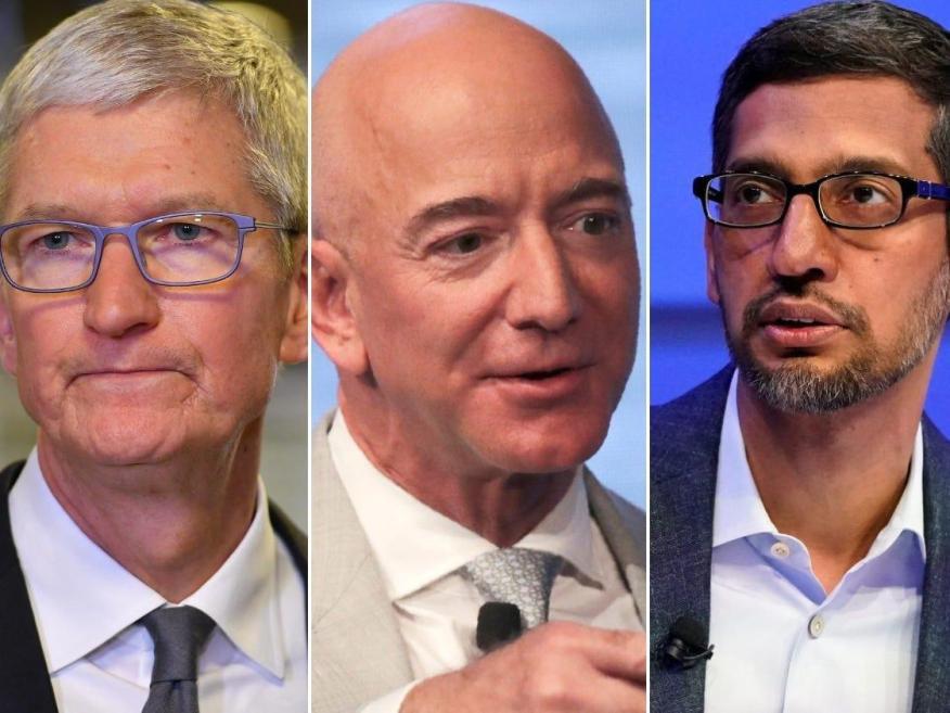 De izquierda a derecha: Tim Cook (CEO de Apple), Jeff Bezos (Amazon) y Sundar Pichai (Google)