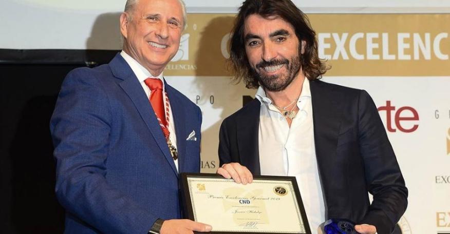 El CEO de Globalia Javier Hidalgo (derecha) en FITUR.