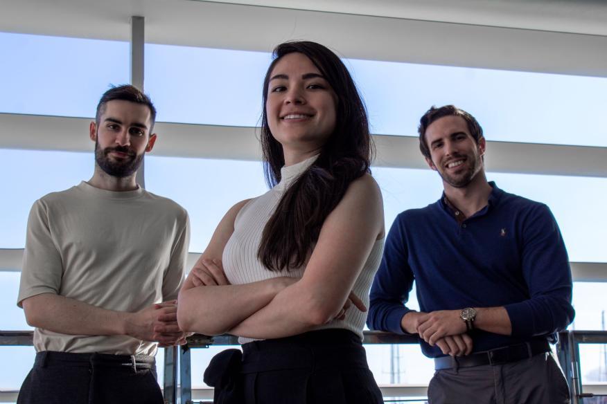 De izquierda a derecha los fundadores de Legit Health: Taig Mac Carthy, Andy Aguilar y Alfonso Medela.