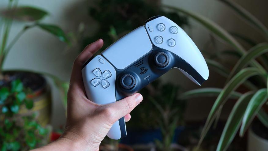 El mando cambia totalmente la ergonomía del  DualShock 4