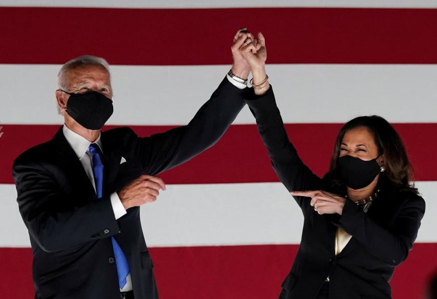 Joe Biden, candidato a la presidencia de EEUU del Partido Demócrata, junto a su compañera de campaña, Kamala Harris, candidata a vicepresidenta.