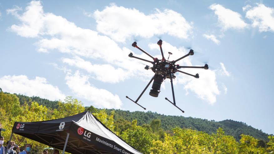 Reforestación con drones de LG