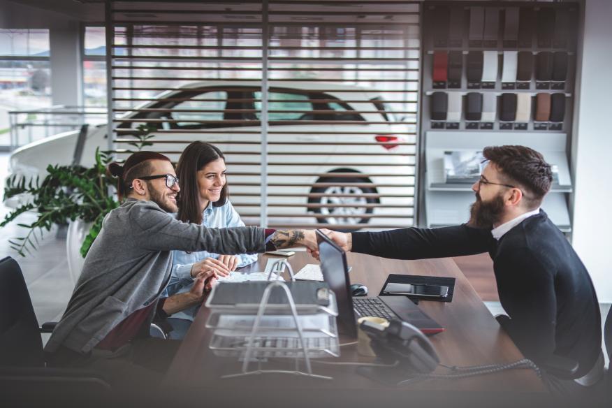 venta de coche en un concesionario