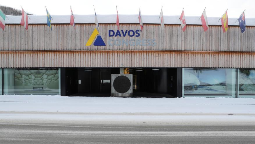 El centro de congresos de Davos, vacío ante la celebración del foro por videoconferencia