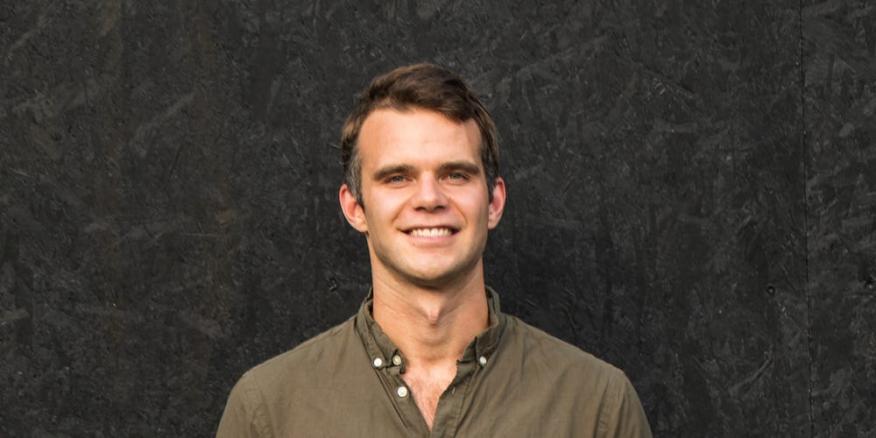El CEO de la empresa sueca de micromovilidad Voi, Fredrik Hjelm.