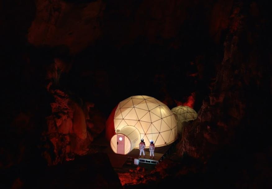 Imagen de la Ares Station de Astroland en una cueva en Arredondo (Cantabria)