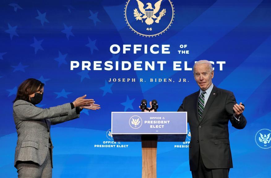 Kamala Harris y Joe Biden en un acto en Wilmington, Delaware (Reuters)