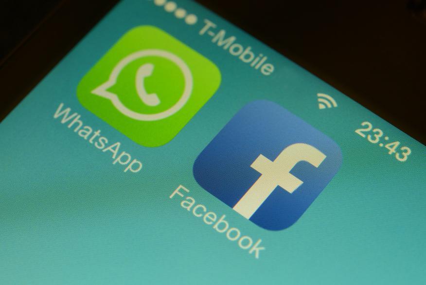 WhatsApp y Facebook.