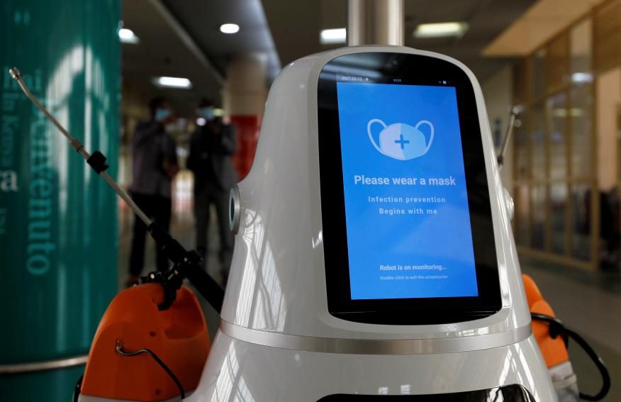 Robot específico contra pandemias.