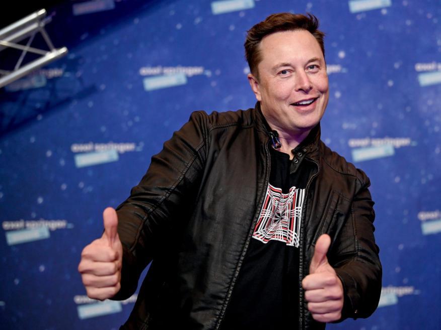 Los expertos están divididos sobre si el alto precio de las acciones de Tesla es justo