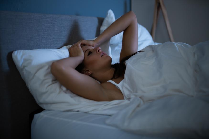 Cómo le afecta la falta de sueño a tu cuerpo: pasar una sola noche sin dormir impacta sobre tu corazón, mente, órganos y rendimiento