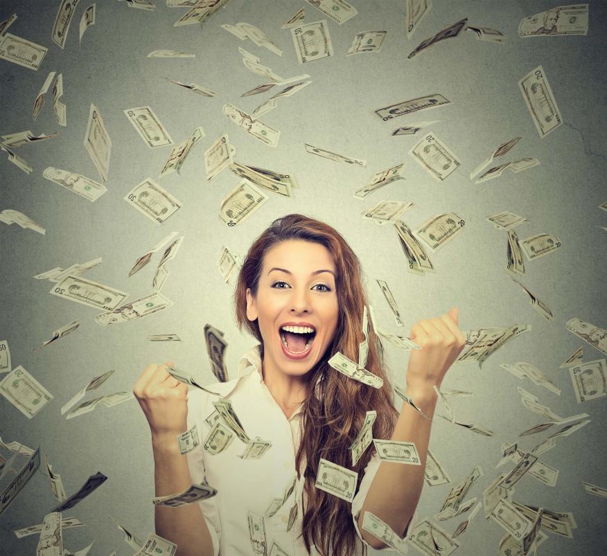 Crear hábitos y darte pequeñas recompensas inmediatas: así puedes ahorrar hasta 4 veces más dinero