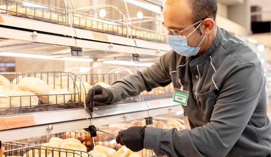 Mercadona reparte 43 millones a su plantilla como reconocimiento a su compromiso durante la pandemia