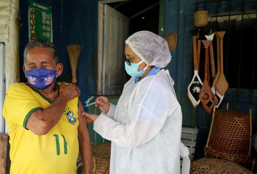 La variante brasileña del coronavirus que podría estar ganando una batalla