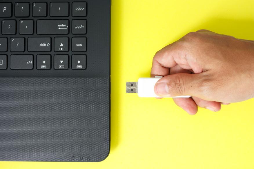 memoria USB en ordenador