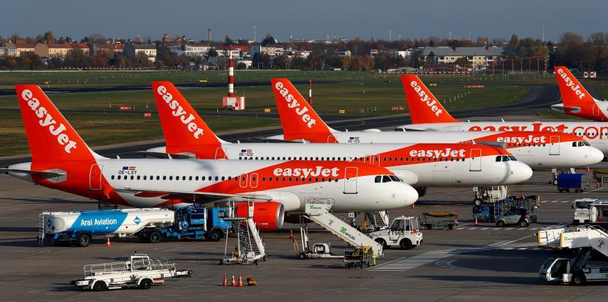 Aviones de EasyJet en el aeropuerto de Tegel, en Berlín, Alemania.